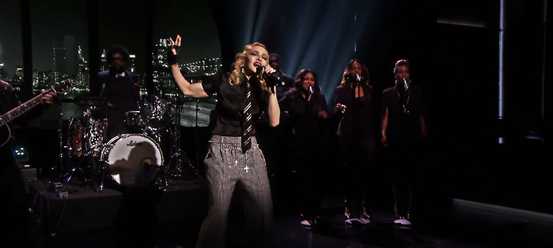 Madonna se apresenta no Tonight Show com Jimmy Fallon 2016